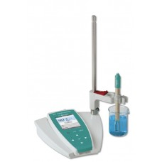 METROHM Portable two-channel pH measuring instrument for measuring pH/mV and temperature.2.913.0210